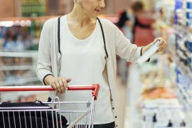 Resized_Mature-Woman-Groceries-Shopping.-590267360_3869x2579.jpg